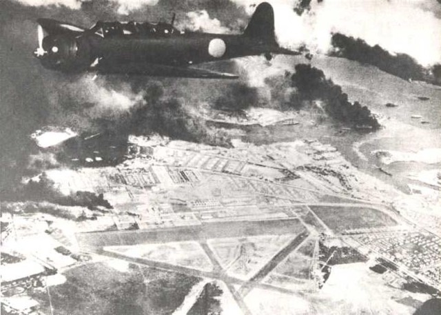 Aerosilurante Nakajima B5N in volo su Pearl Harbor