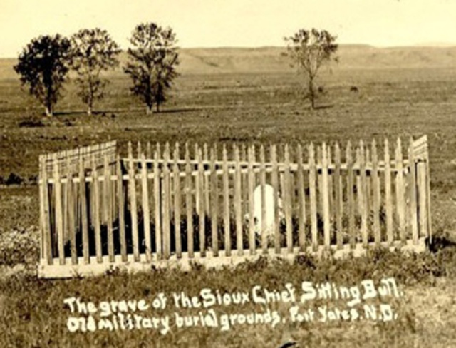 La Tomba di Toro Seduto nel cimitero di Standing Rock