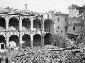 A. Villani, Bologna - Biblioteca Archiginnasio dopo il bombardamento aereo del 29 gennaio 1944 (tit. attr.) - CAF, Fondo Bologna