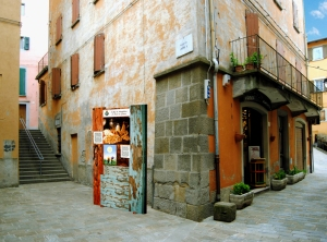 Una 'Porta dei Sogni' installata in un angolo di Monghidoro